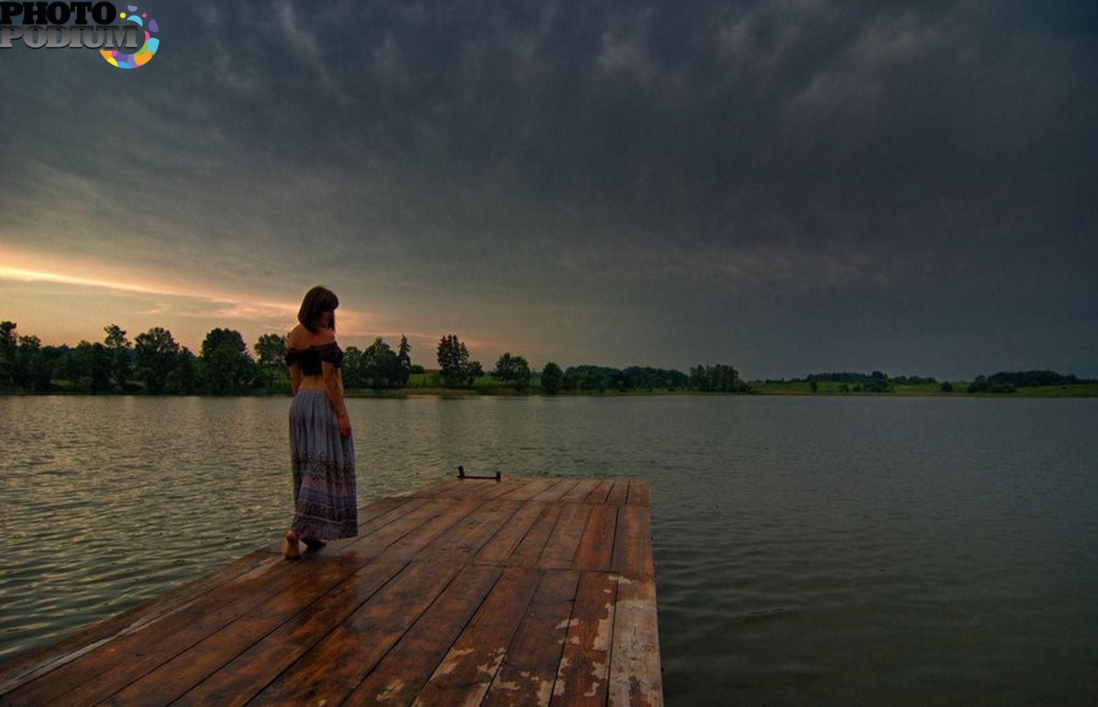 Фото на озере без лица