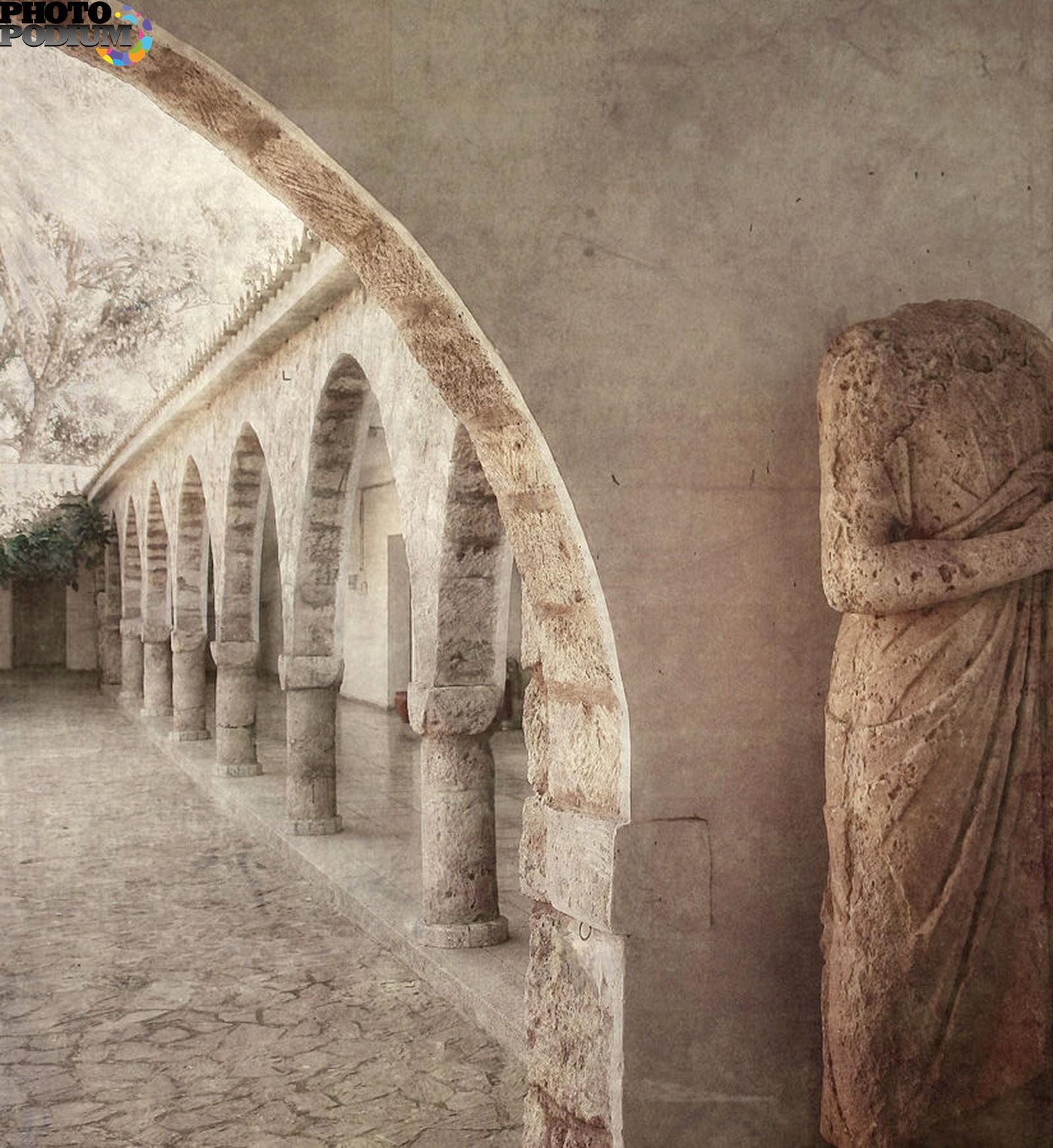 Разврат в монастыре 18 фотография